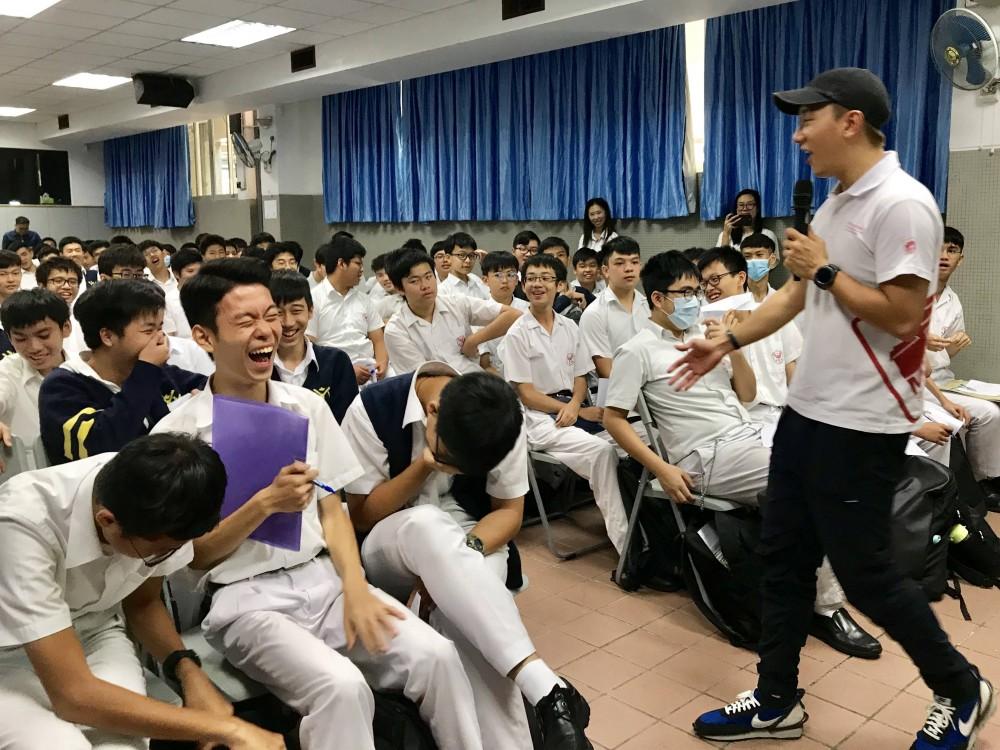 校園巡講向粵華學生推廣本土文化